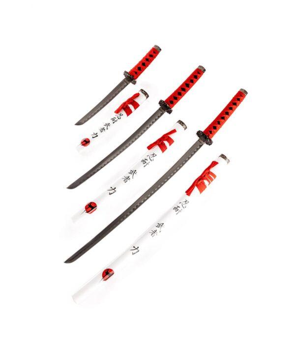 Samurai Garnitur White and Red mit drei Schwertern offen