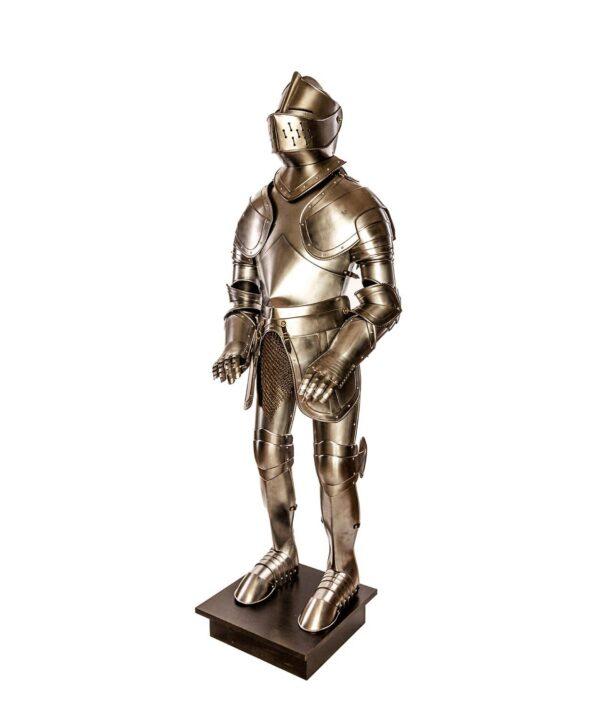 Gesamtansicht der Rüstung Rothenburg Waffenkammer Rothenburg