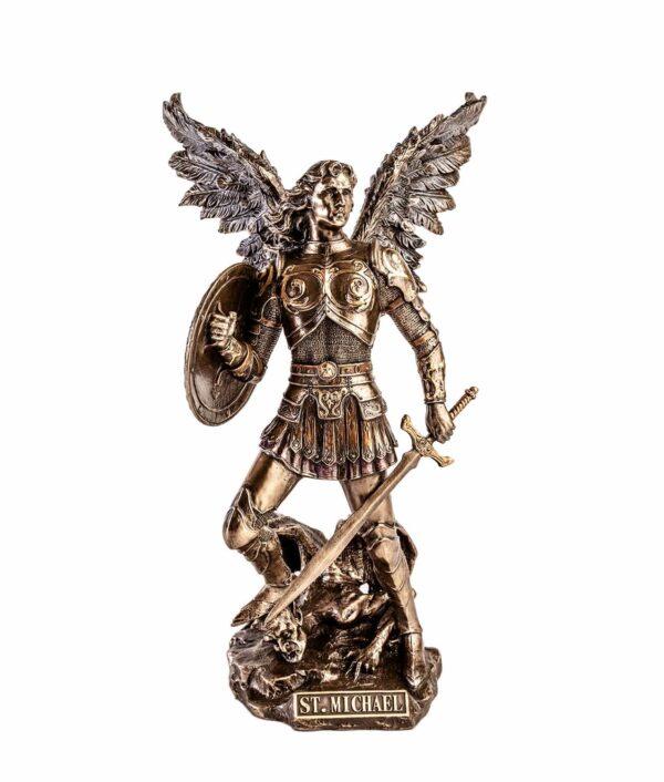 Erzengel Michael mit Flammenschwert und Schild von Vorne