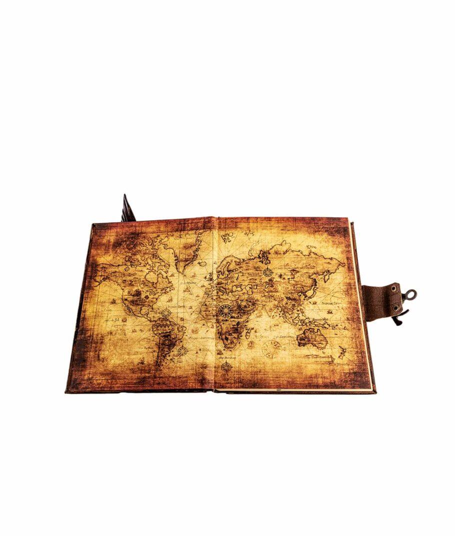 Lederbuch klein mit Weltkarte.