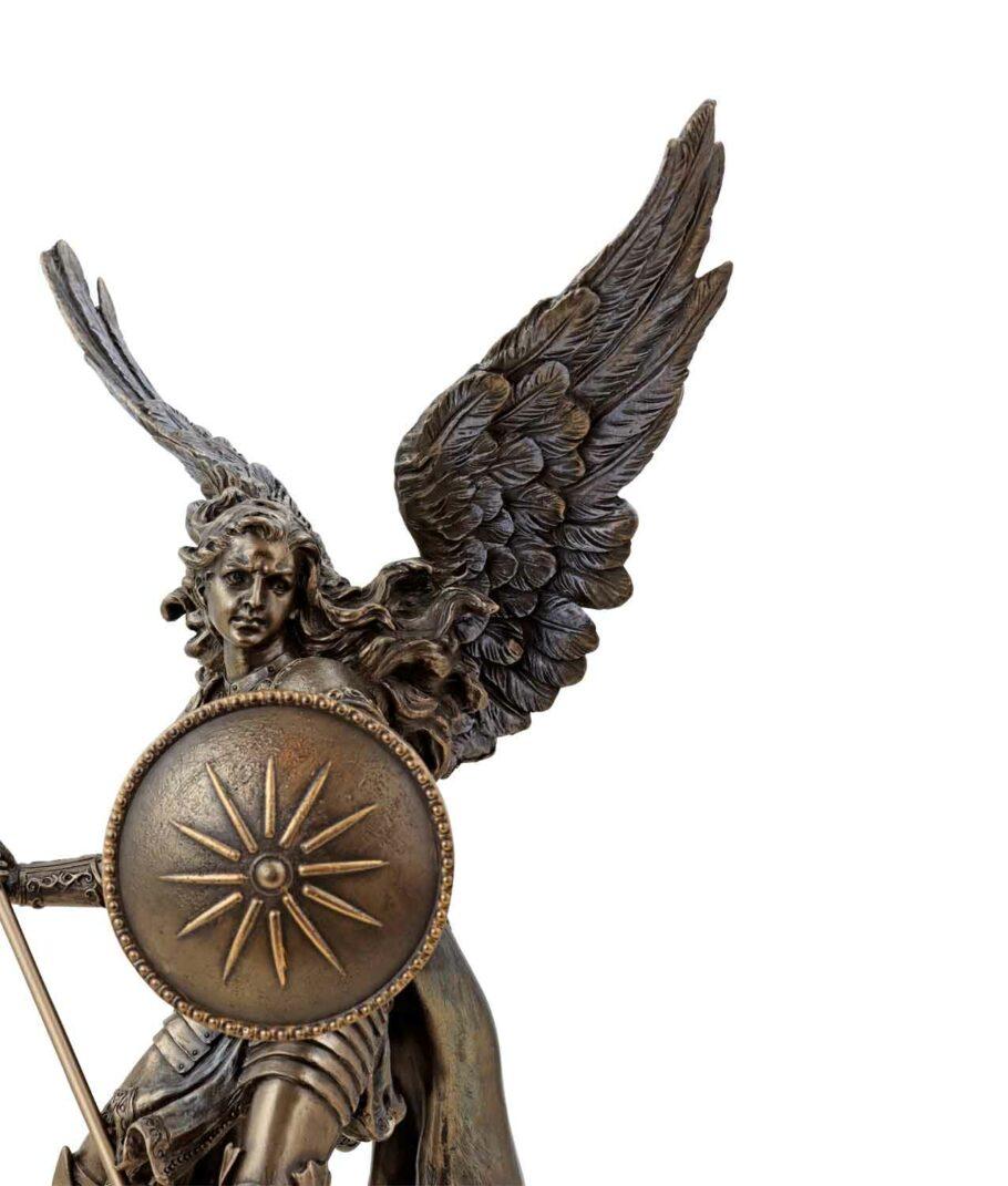 Erzengel Raphael mit Speer und Schild bronziert Gesicht