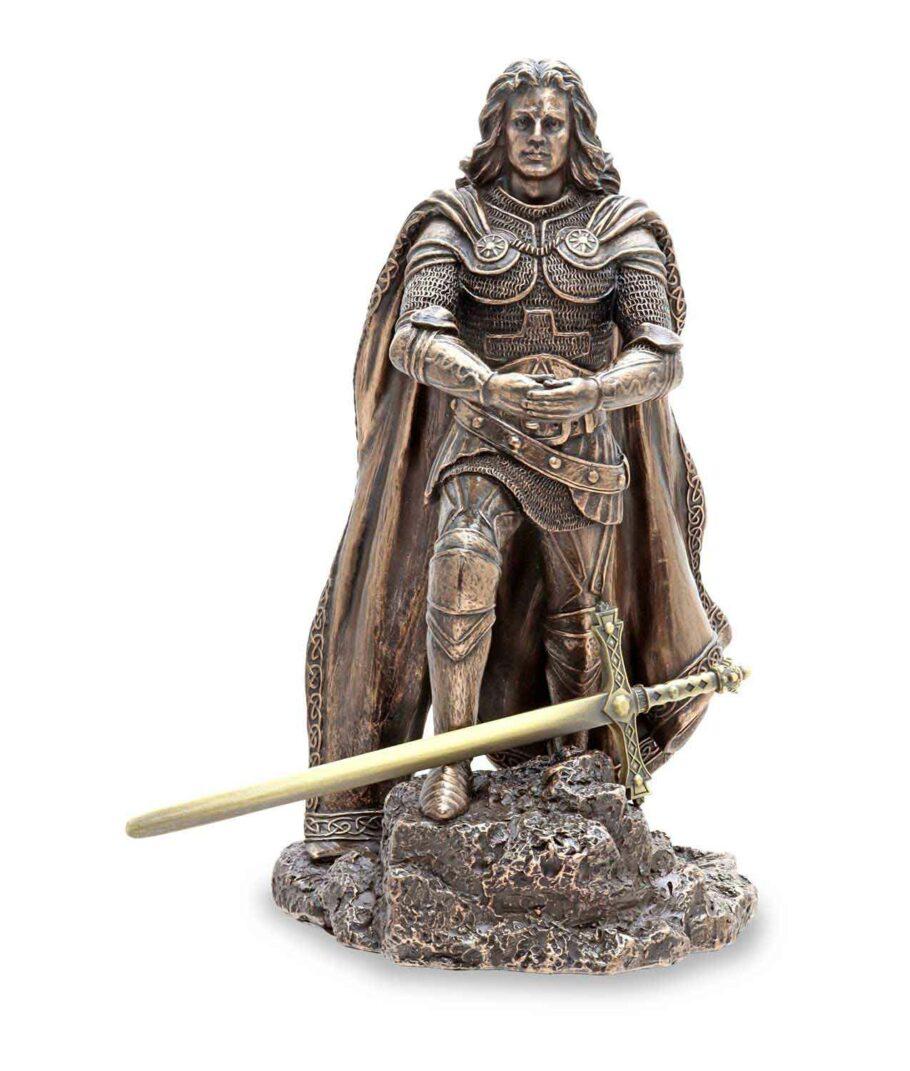 König Arthus zieht Excalibur aus dem Stein - Das Schwert kommt einzeln