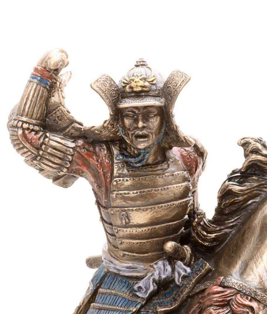 Samuraikrieger auf Pferd -Gesicht