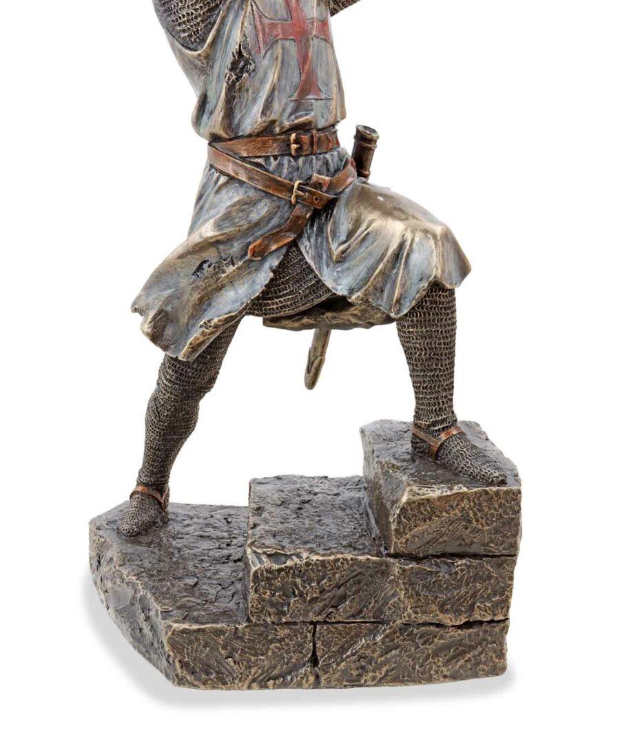 Tempelritter im Kampf mit Bidenhänder bronziert Sockel