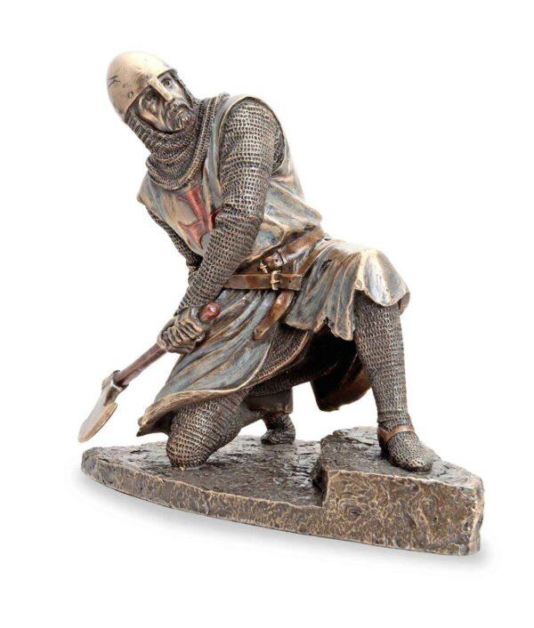 Bronzefigur Tempelritter verteidigt sich a