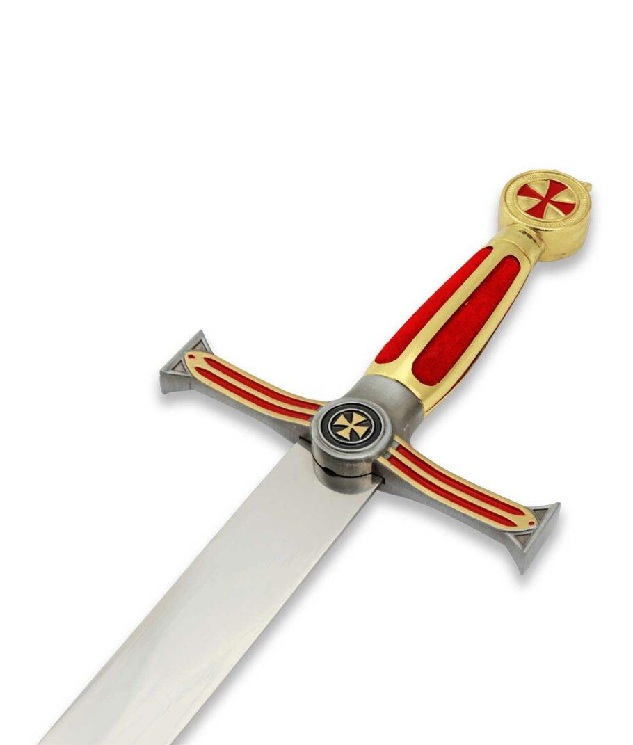 Der rot-goldene Griff des Templerdolchs der Großmeister