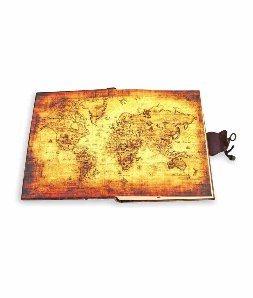 Großes Notiz- und Tagebuch aus Leder Inneineinband mit Weltkarte