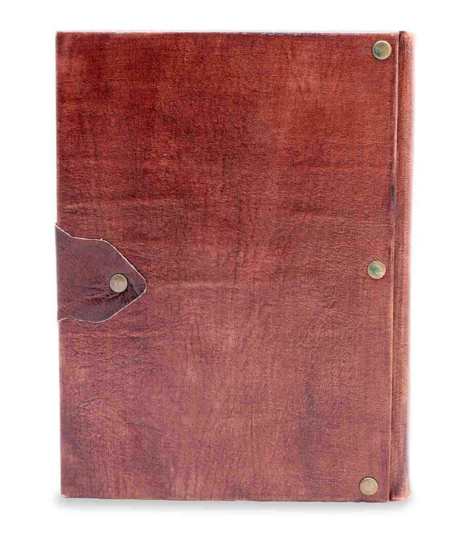 Großes Notiz- und Tagebuch aus Leder von hinten